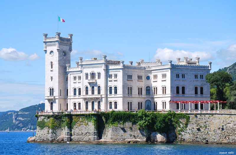 Castello di Miramare (from the sea 1)